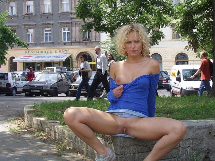 интимные фото на улицах