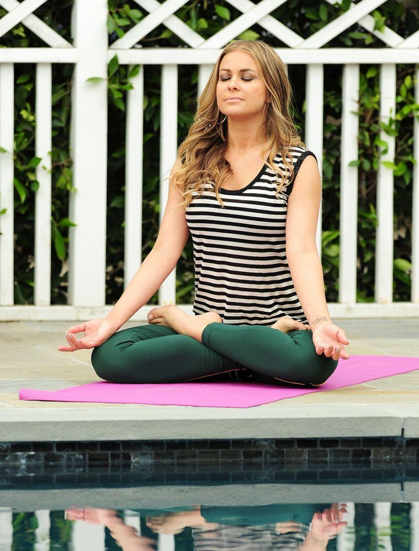 Amigas Haciendo Yoga Porn carmen electra haciendo yoga - alrincon