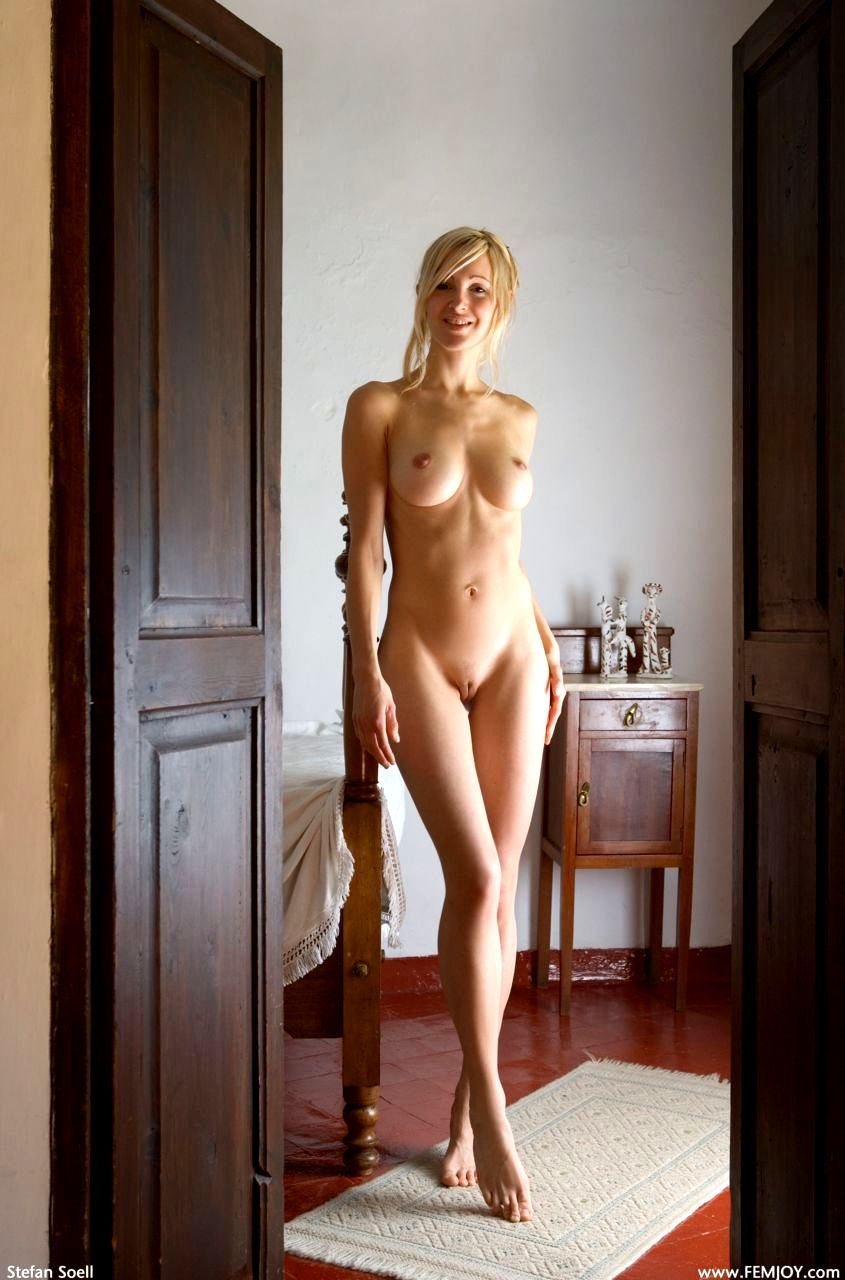 awesome cute naked women