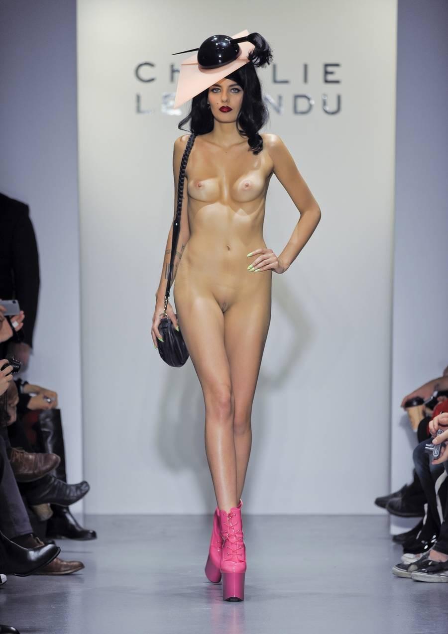 эротическое закулисье моды-ыу2