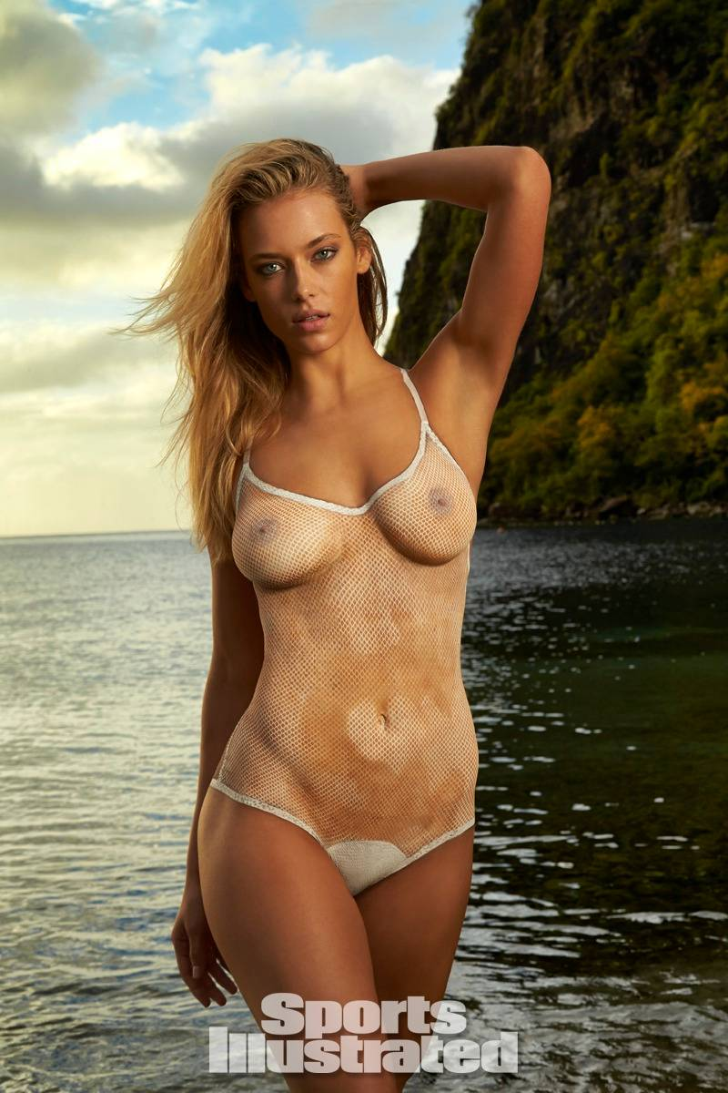Hannah Ferguson Slips Her Pussy Past The Censors
