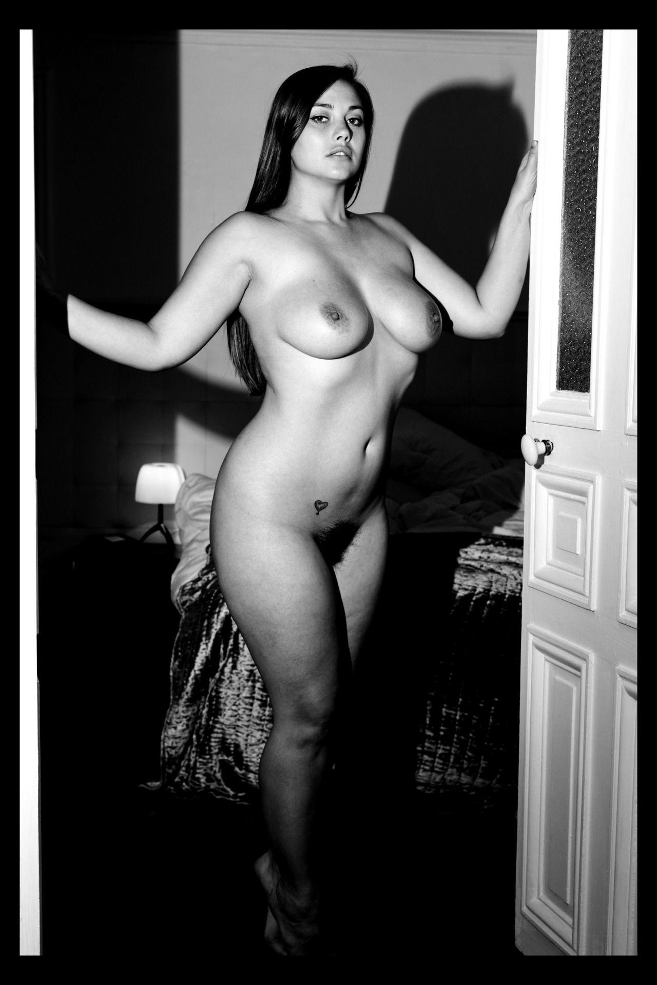 Naked amiture girls