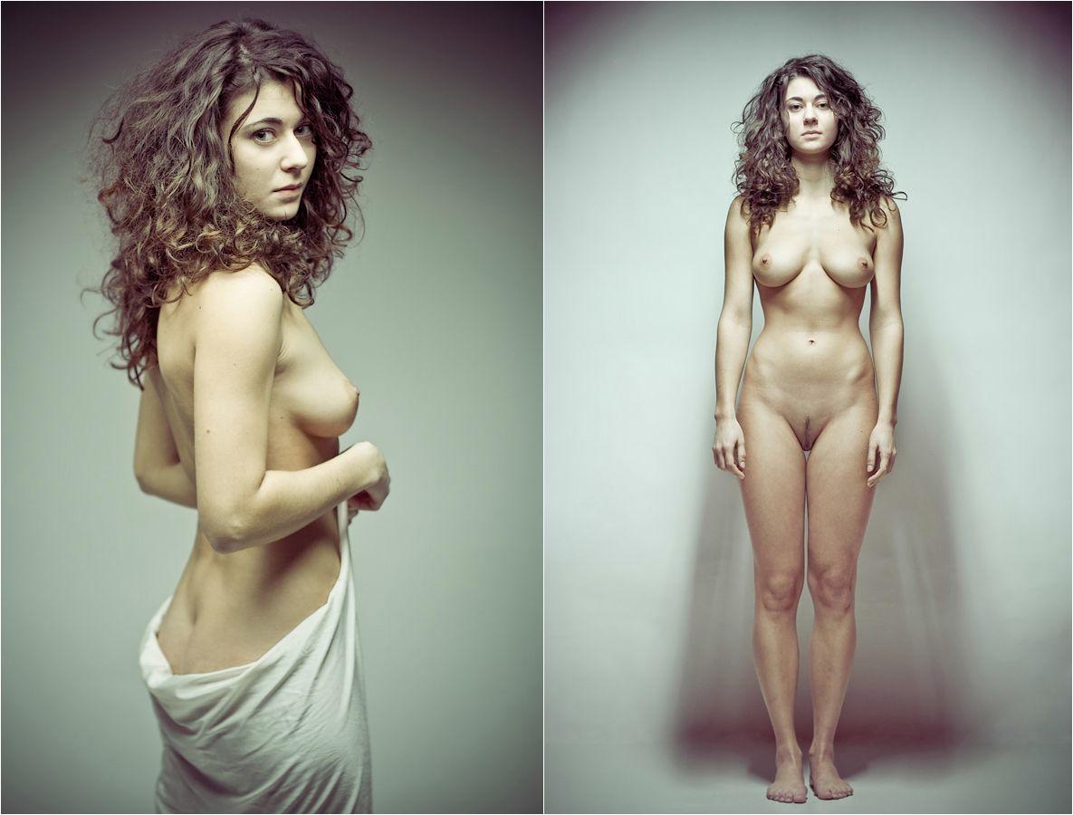Femenino desnudo soldado pic