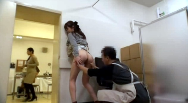 японку трахают в лифте знаю ней все
