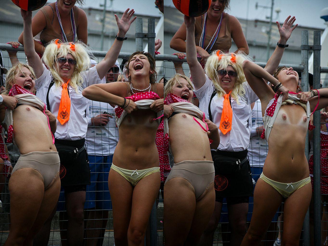 Фото голый карнавал 16 фотография