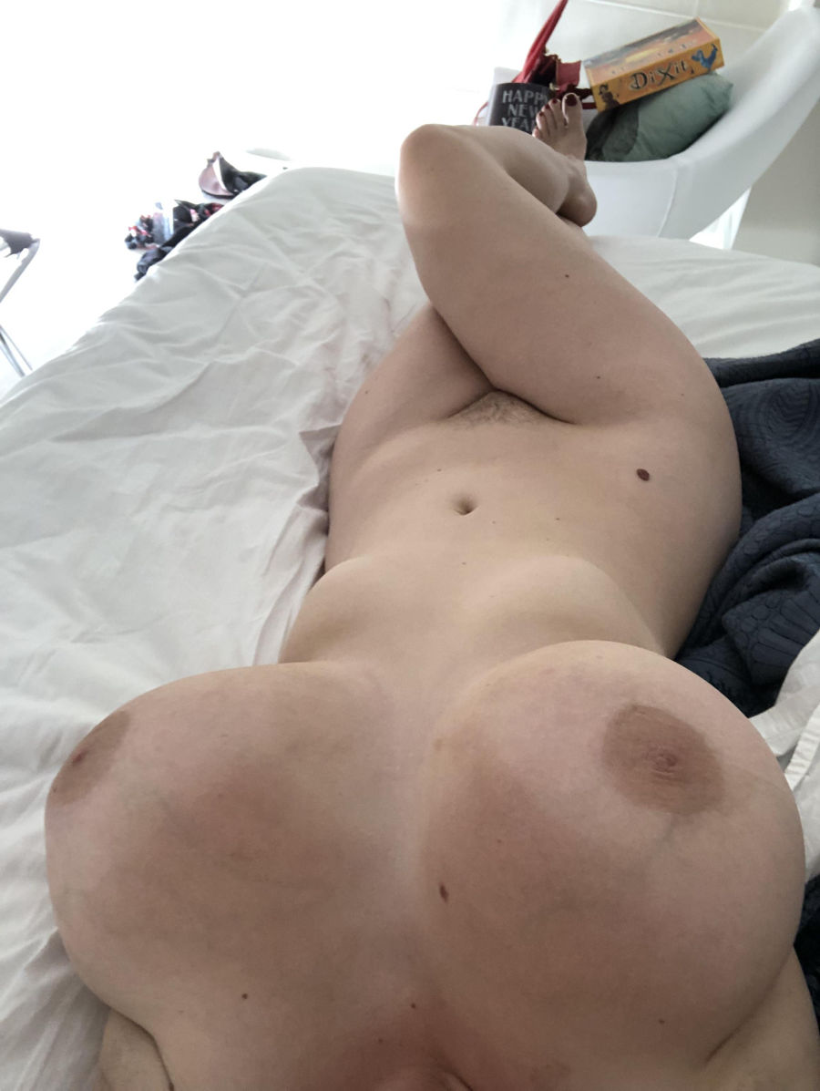 nude wife submitted pics