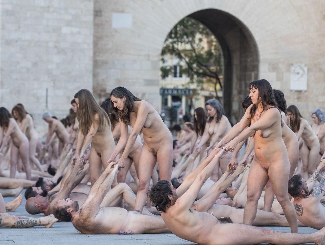 Mujeres Desnudas Por Las Calles Porno marabunta de mujeres desnudas - alrincon
